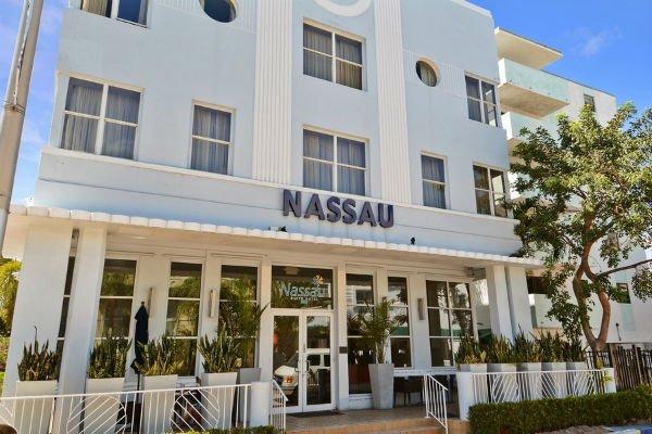 nassau-suite-hotel-1