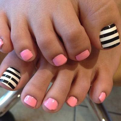 diseños de uñas de pies líneas