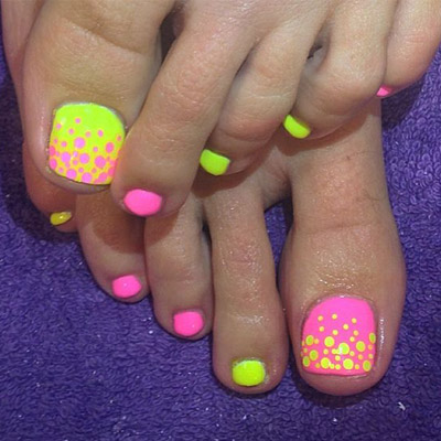 diseños de uñas de pies fluor